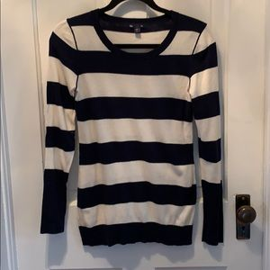 GAP navy and white sweater. Good condition